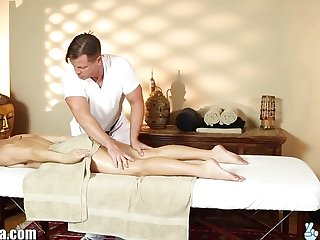 TrickySpa EXCLUSIVE Masseur Cums in Mouth