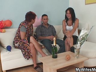 He fucks nasty girlfriends mom from behind