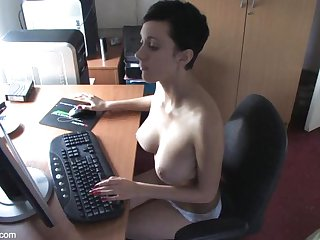 downblouse Kim - boobslovin video #2 HD