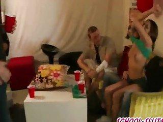 Порно девки ебут пацана россия134