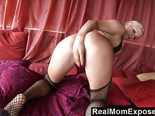RealMomExposed - She Squirts, She Sucks And S