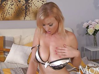 MOM - Housewife Sherry likes to finger pussy