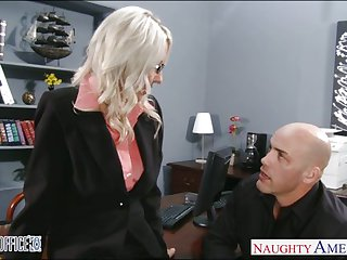 Sexy blonde Emma Starr gets nailed